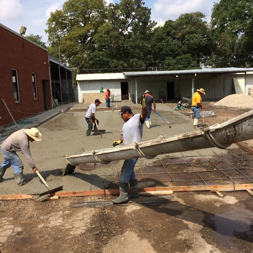 Concrete contractors allen tx allen driveways for Pouring concrete driveway